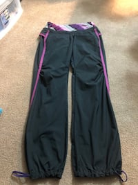 Lululemon track pants in perfect condition  size 6 Regina, S4R 7X3
