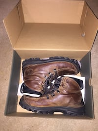 Leather timberlands boots size 10 Calgary, T3E 6L9