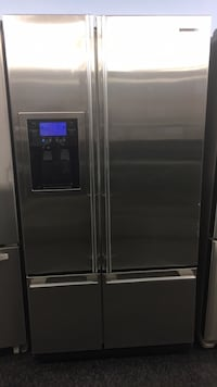 stainless steel side by side refrigerator with dispenser Toronto, M3J 3K7
