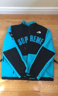 Supreme the north face arc logo Denali fleece Mississauga, L5W 1E7