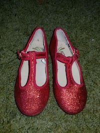 Size 8 toddler flats red with glitter  Watsonville, 95076