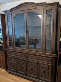 Dining Table and Hutch Buffet with Free Chairs Toronto