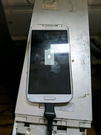 Samsung galaxy S4 mint selling today Toronto, M5A