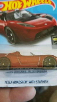 Hot Wheels Tesla Roadster with Starman Lyons, 60534
