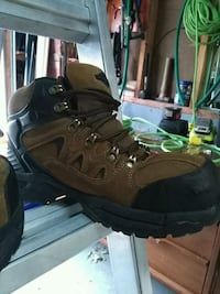 black and brown leather hiking boot Brampton, L6V 2Y9
