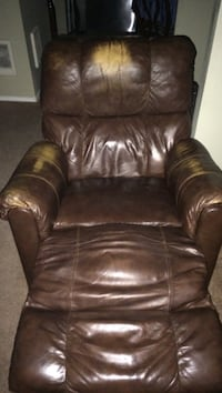 brown leather recliner sofa chair Mill Creek, 98012
