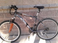 SCHWINN MOUNTAIN BIKE! Comes with bike lock and almost New Traction ! Las Vegas, 89130