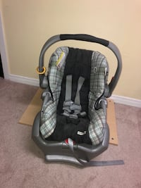 baby's gray and black car seat carrier Markham, L3T 6V9
