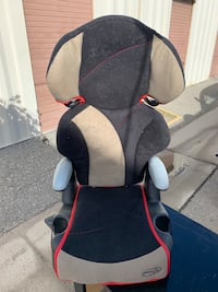 baby's black and gray car seat Bakersfield, 93308