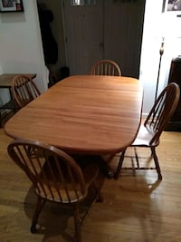 Oak table/4 chairs with leaf Partlow, 22534
