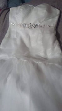**Wedding Season!**Brand New Ivory Wedding Dress Tinley Park, 60477