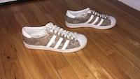 Brown and white adidas snakeskin low top sneakers Montréal, H3X
