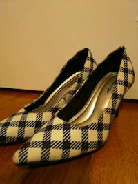 Shoes size 5 Queens, 11378