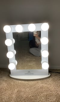 Hollywood iconic vanity mirror with led lights
