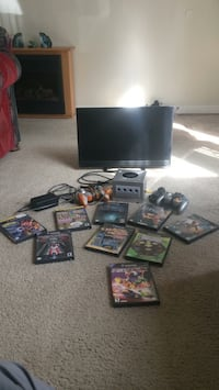 Gamecube with 9 games, includes all cords, controllers, and flatscreen TV Lacey, 98503