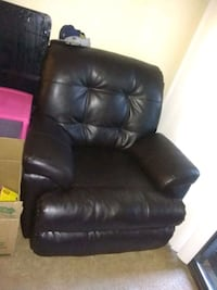 Leather recliner chair and ottoman both for 175$ Lakewood, 80235