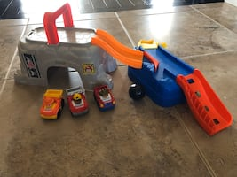 Fisher price wheelies play n go construction site