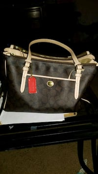 Aunthenthic Coach Leather Purse Rolling Meadows, 60008