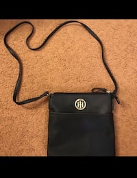 Tommy Hilfiger crossbody 276 mi