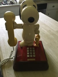 Vintage Snoopy and Woodstock push button phone