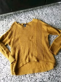 Mustered yellow knitted shirt (XL) Langley City, V1M 0B4