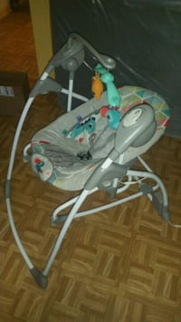 baby's white and blue swing chair Bronx, 10460