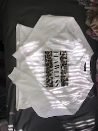 white and black crew neck shirt Woolwich, N2J