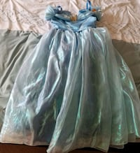 Cinderella Dress in Size 7/8 + Crown & Ring - $40 Toronto, M9B 6C4