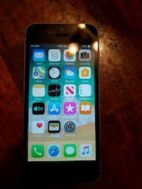 iPhone 5s 16gb with cover unlocked accessories not included  Montréal, H1E 4J4