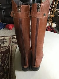 Brown leather knee high boots Size 6 GREAT FOR FALL