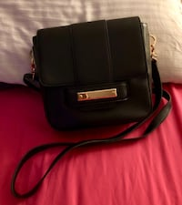 Black classic crossbody purse *slightly used*