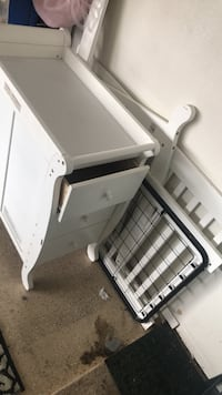 very nice crip with drores easy set up !! has changing table on top Las Vegas, 89130