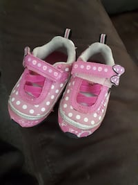 Minnie mouse running shoes only worn inside  Welland, L3B 5S8