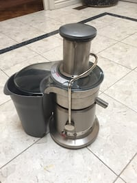 black and gray juice extractor Toronto, M4M 0A4