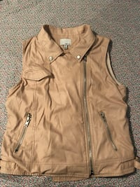 brown zip-up vest Gaithersburg, 20878