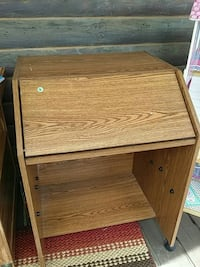 Small desk, lift up top, pull out too Kingwood, 26537