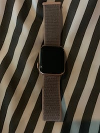 Apple Watch 4 40mm with LTe Gold Surrey