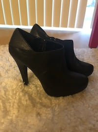 Black booties woman's size 7.5 Seattle, 98133
