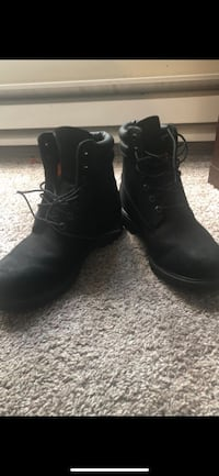 Timberland Men's Boots - Size 8.5 Bothell, 98012