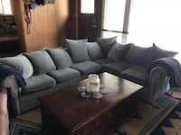 Sectional Pull Out couch East Gwillimbury, L0G 1R0