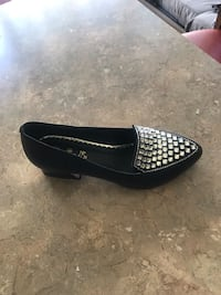Black and rhinestone  women shoes size 6,5 barely used
