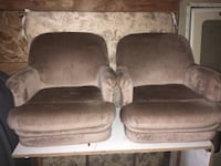 Two RV chairs With  forward backward motion very nice condition 100 for the pair Salem