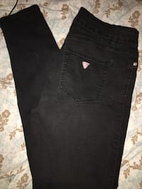 Guess jeans- barely worn  Windsor, N8T 3A5