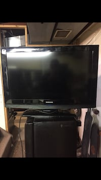 "Perfect condition 32"" Samsung smart TV Edmonton, T6C 2B8"
