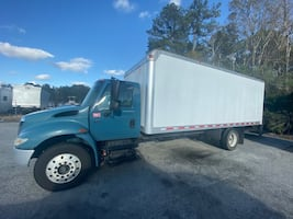 2003 international 24 ft box truck