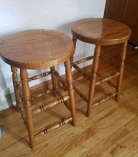 Solid Wood stools (set of 2) Chicago, 60652