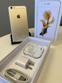 128gb Unlocked Gold IPhone 6s Plus with Accessories