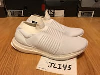 Adidas ultra boost laceless triple white size 7.5 Silver Spring, 20906
