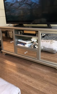 Mirrored entertainment center obo Vienna, 22180