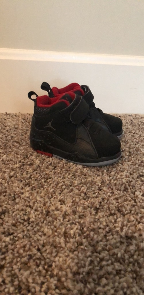 Used Men's Nike Air Force Max 2013 Fab 5 Shoe size 11.5 for